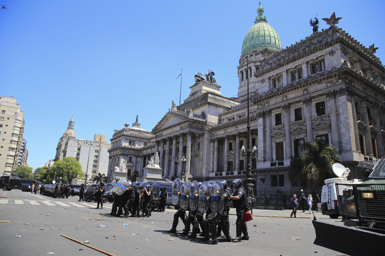 Revés para Macri: en medio de polémica, se levantó la sesión en Diputados y se traba la reforma previsional