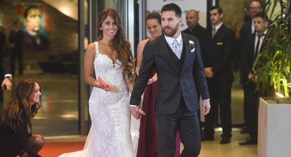 de encaje blanco, el exclusivo vestido de novia de antonela roccuzzo