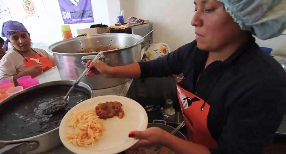 Según el informe, quienes más necesitan de la asistencia de un comedor para alimentarse son principalmente jóvenes de hasta 19 años de los barrios más humildes del conurbano.