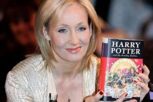 J.K. Rowling, creadora de Harry Potter, ofendió a la comunidad trans con su nuevo libro.
