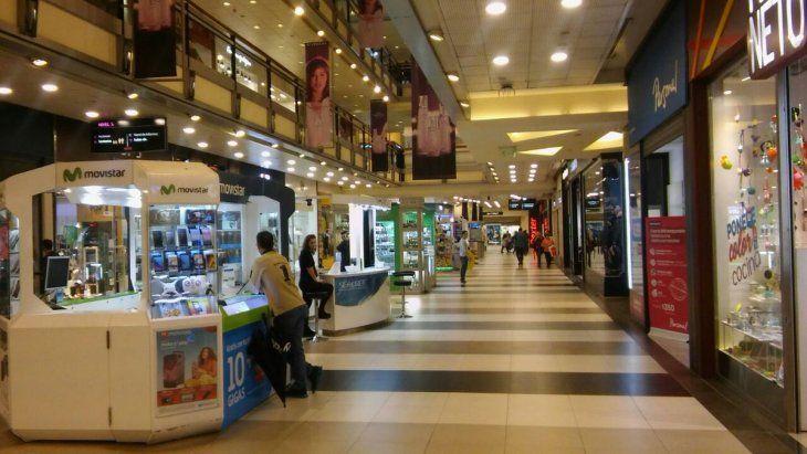 Las ventas en súper y shopping se hundieron hasta 15,1% en septiembre