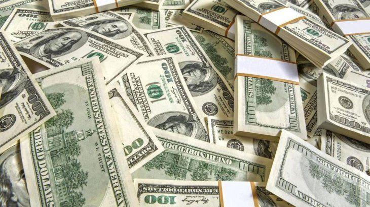 El dólar salta 53 centavos a $ 39,55, en línea con el resto del mundo