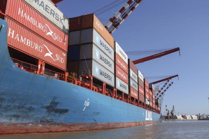 Tercer mes consecutivo de superávit comercial: casi u$s 1.000 M