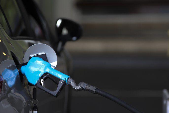 YPF bajó el precio de sus naftas, pero subió el del gasoil