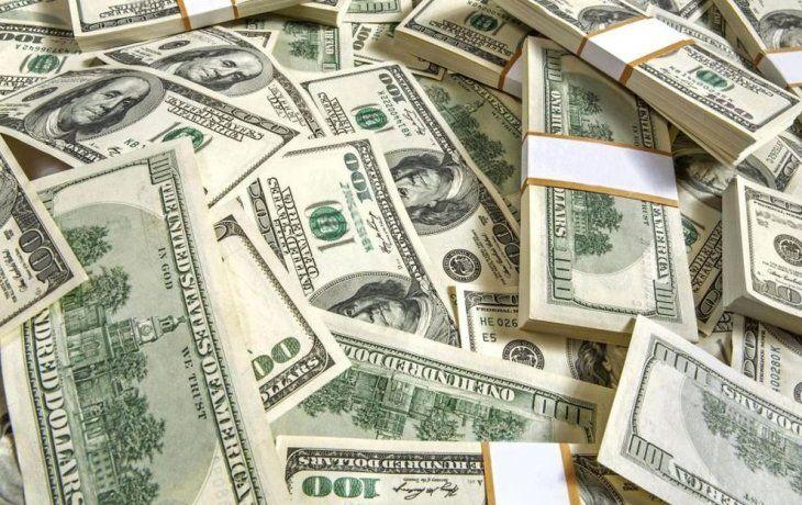 En línea con la región, el dólar rebota y sube 21 centavos a $ 38,58