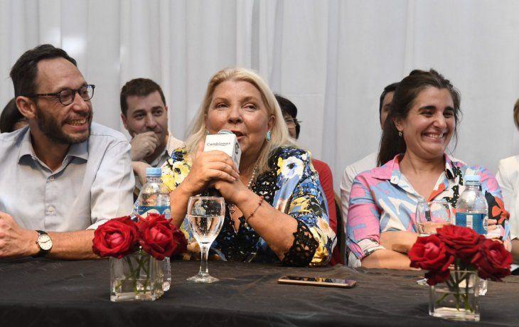 Maximiliano Ferraro, Elisa Carrió y Maricel Etchecoin.
