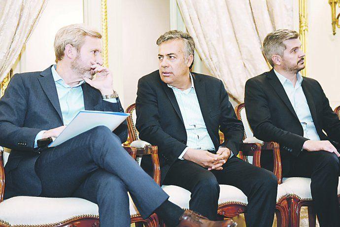 Acuerdo. El gobernador Cornejo se mostró entusiasmado con la licitación de Portezuelo tras el acuerdo que en 2006 habían formalizado Kirchner con Cobos para compensar a Mendoza por perjuicios de promoción industrial.