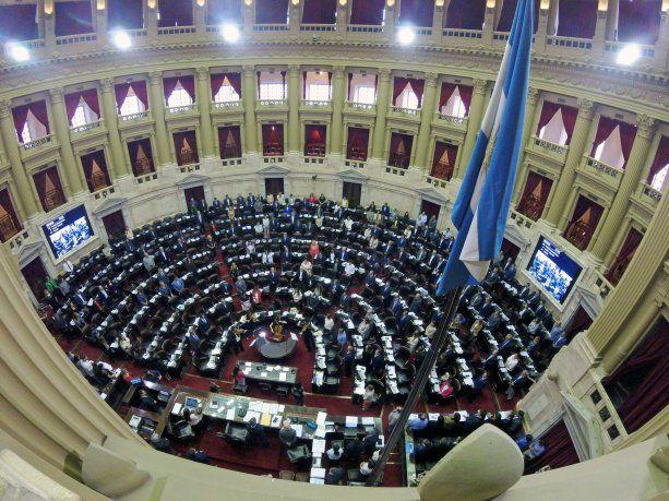 La oposición insiste en proyectos para frenar el aumento tarifario en el Congreso