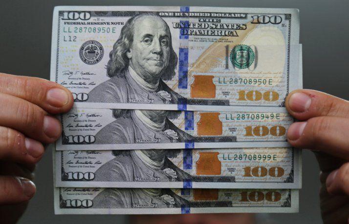 El Dólar Cayó 41 Centavos En La Primera Semana Del Año Cerró A 38