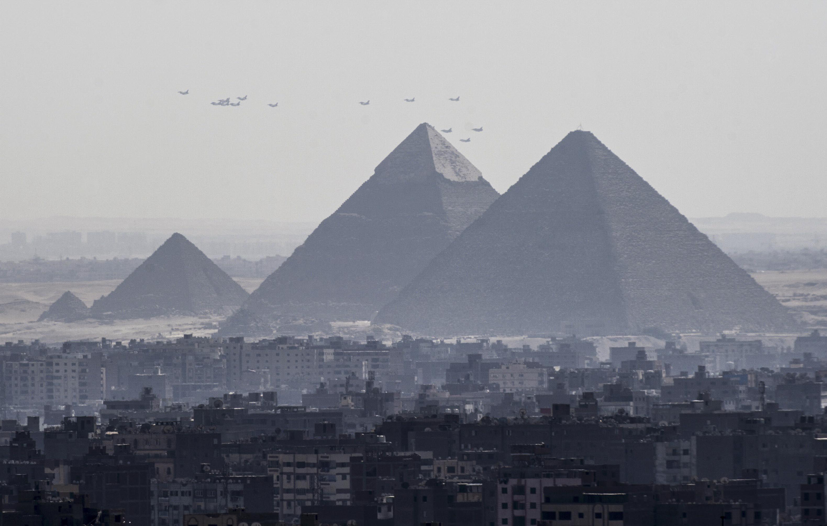 egipto atentado cerca de las pirámides deja cuatro muertos y 12