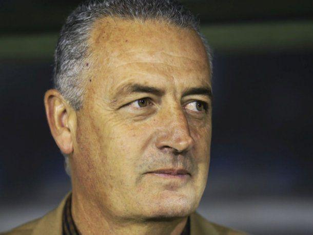 Gustavo Alfaro asume en Boca con el objetivo de reconstruir el plantel y sacarse la espina continental