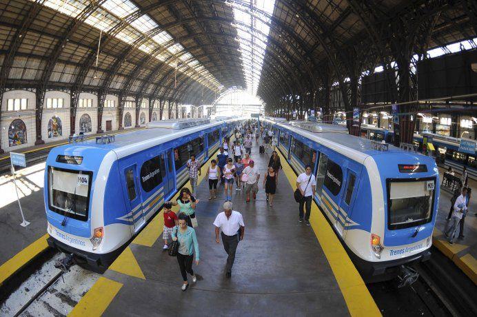 Desde hoy  los trenes de la línea Mitre vuelven a parar en Lisandro de la Torre