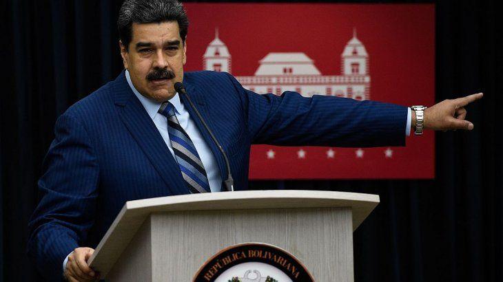 Maduro inicia su segundo mandato en una Venezuela colapsada y aislada
