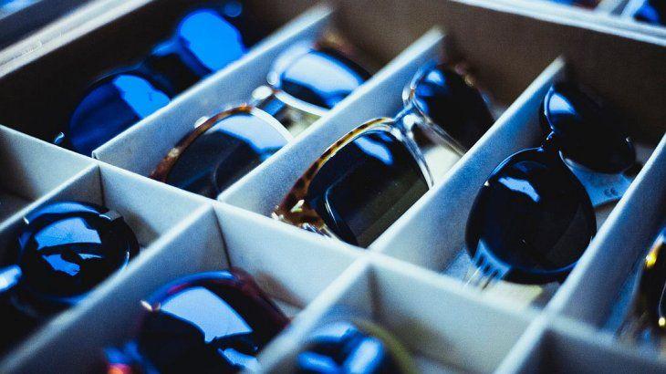 Anteojos de sol: Anmat comenzó a regular fabricación e importación