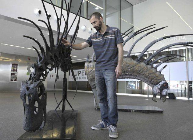 La réplica del esqueleto del dinosaurio fue presentado en el Museo E. Bachmann de Villa El Chocón, Neuquén.