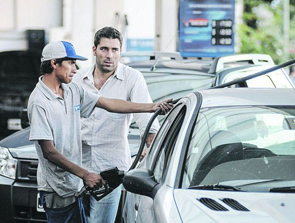 repetido. Se sumó YPF al aumento en combustibles. La justificación: el alza del petróleo a nivel internacional.