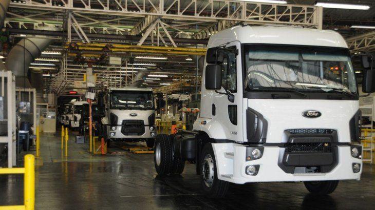 La compañía dejará de fabricar y vender camiones en Sudamérica.