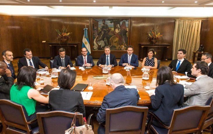 Dujovne y Sandleris se reunieron con la misión del FMI