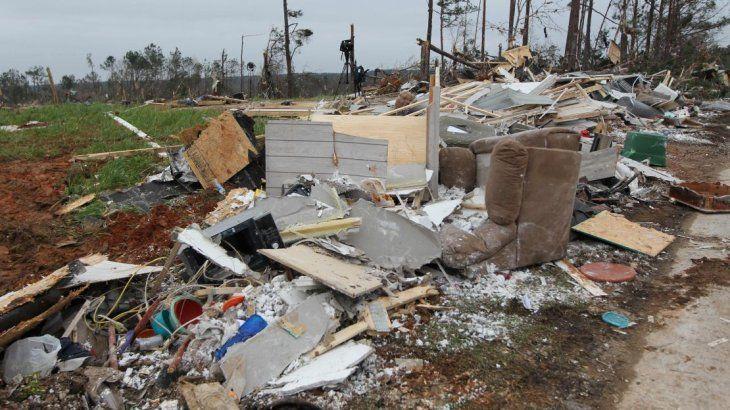 EEUU: un tornado arrasó en Alabama y dejó al menos 23 muertos
