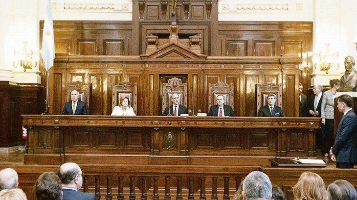 La Corte puso fecha para definir las reelecciones en La Rioja y Río Negro