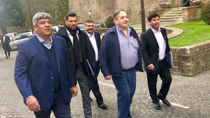 Pablo Moyano y la comitiva de gremialistas argentinos en el Vaticano.