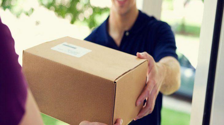 """Resultado de imagen para Nuevo """"puerta a puerta"""": envíos internacionales llegarán a domicilio y habrá franquicia anual de u$s 600"""