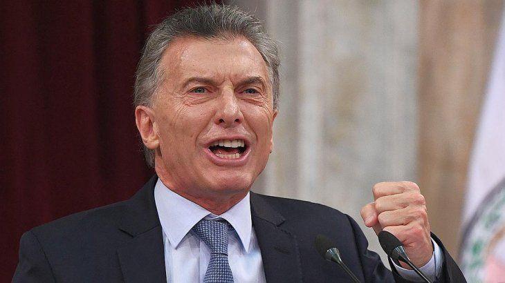 """Macri muy enojado al escuchar a los que proponen una """"solución mágica"""""""
