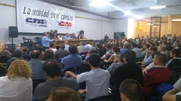 <p>Las dos CTA de Hugo Yasky y Pablo Micheli se unen en el camino y adhieren a la protesta del Fresimona del 30 de abril. Los dos líderes estatales están cada vez más cerca de unificar las centrales. </p>