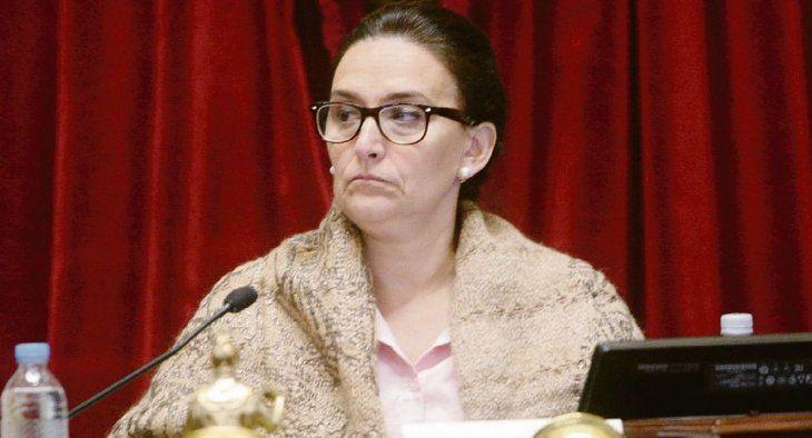 Secretaria del Senado revisa a fondo las contrataciones de Michetti en la Cámara alta