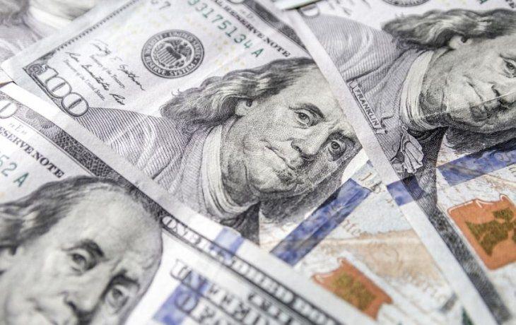 Lacunza superó primer test del mercado: el dólar cayó a $57,39 (BCRA vendió u$s112 millones)