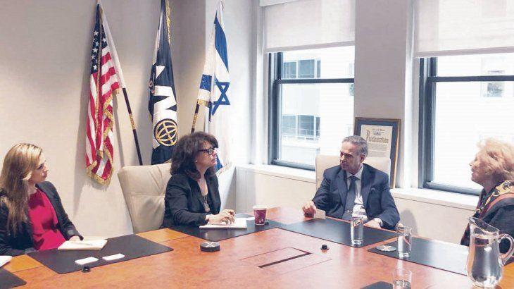Gira. Miguel Angel Pichetto visitó en EE.UU. la sede del Congreso Mundial Judío. Antes había conquistado al fondo de inversión BlackRock.
