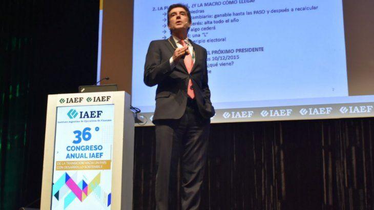 Carlos Melconian durante su exposición en IAEF.