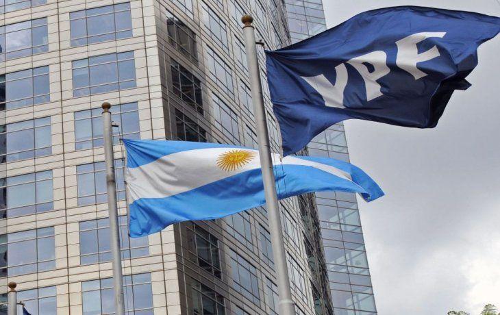 Por YPF, Burford podría facturar ganancia del 500%
