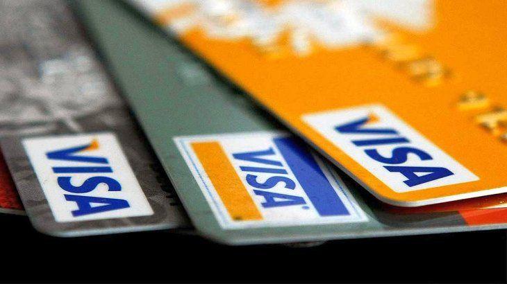 Cepo: aclaran cómo pagar los consumos en dólares de las tarjetas