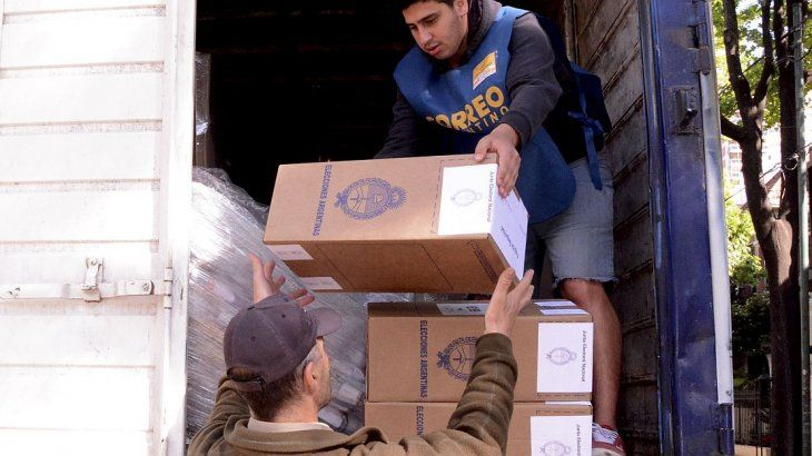 Distribución de las urnas en todo el país para las PASO