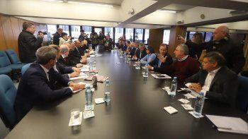 Gobernadores exigen compensaciones a Macri y van a la Justicia