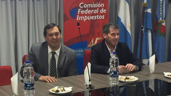 La reunión se lleva a cabo con ministros de Economía de las provincias.