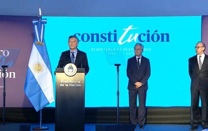 Macri: No hay mejor manera de defender la Constitución que acatarla, no atacarla