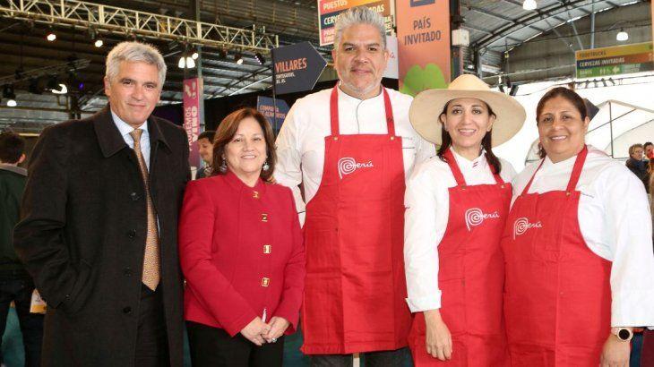 El embajador durante la participación de Peru en la feria Masticar.