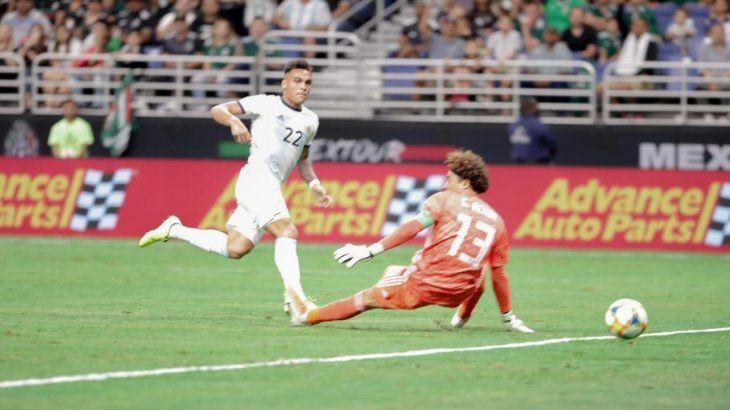 Lautaro Martínez convirtió tres goles y fue la figura del encuentro.