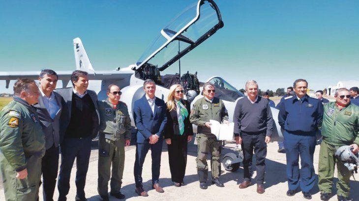 Pampa. FAdeA entregó el viernes pasado a la Fuerza Aérea Argentina el cuarto avión IA-63 Pampa III producido en serie.