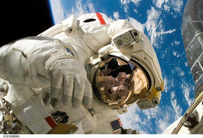 NASA busca nuevos astronautas.