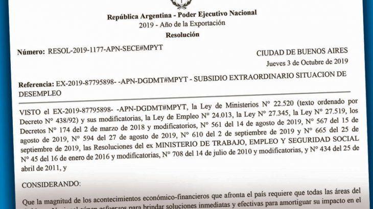 Resolución. Copia de la resolución del Ministerio de Trabajo donde se dispone el plan social paralelo con funcionarios propios para distribuir entre 114.000 desocupados.