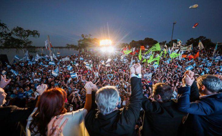 Alberto Fernández: «La política no es mostrarse haciendo coaching, es no mentirle a la gente»