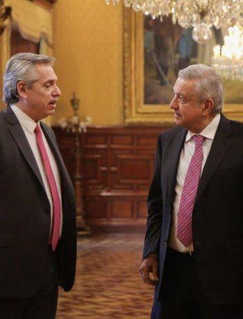 Alberto Fernández fue recibido por López Obrador en el Palacio Presidencial de México.