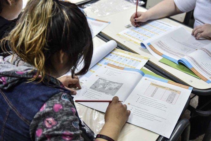 Prueba PISA: Argentina cayó en ranking educativo mundial y matemática sigue dando la nota