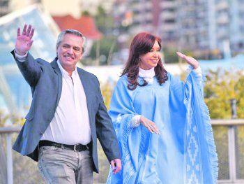 El misterio respecto a quienes serán sus principales ministros obedece a que Alberto Fernández consultaría dichas designaciones con Cristina Fernández de Kirchner.