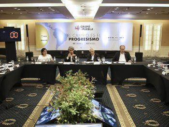 El Grupo de Puebla, que se reunió entre el viernes y este domingo en Buenos Aires, respaldó hoy al presidente de Bolivia, Evo Morales, y llamó a respetar el orden constitucional y la democracia en todas sus expresiones.