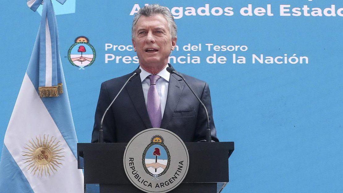 Imputaron a Macri y cuatro funcionarios por el vuelo de San Pablo a Malvinas - ámbito.com