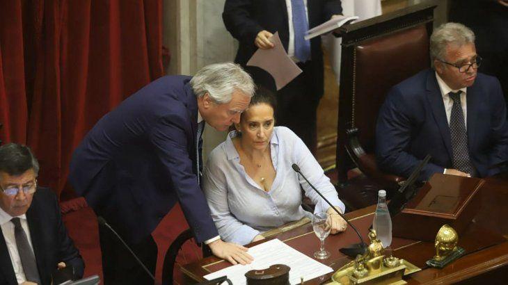 Gabriela Michetti y Federico Pinedo en el Senado.